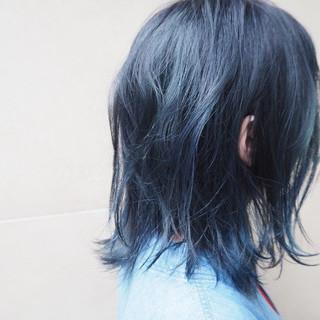 ネイビー ブリーチ ブルージュ ミディアム ヘアスタイルや髪型の写真・画像