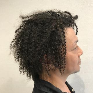 外国人風 暗髪 ストリート パーマ ヘアスタイルや髪型の写真・画像