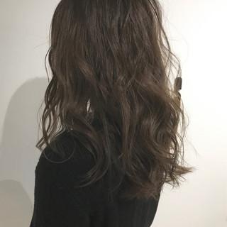 透明感 グレージュ アッシュグレージュ ベージュ ヘアスタイルや髪型の写真・画像