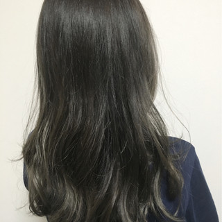 アッシュ グレージュ グラデーションカラー ストリート ヘアスタイルや髪型の写真・画像
