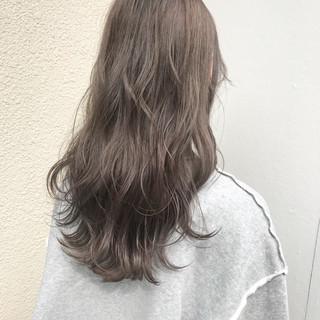 ヘアアレンジ グレージュ ナチュラル 透明感 ヘアスタイルや髪型の写真・画像