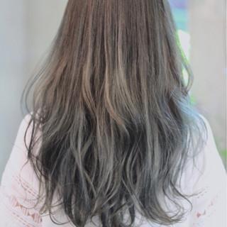 アンニュイ ウェーブ ナチュラル 外国人風カラー ヘアスタイルや髪型の写真・画像