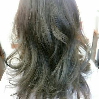 ガーリー ミディアム 暗髪 ブルージュ ヘアスタイルや髪型の写真・画像