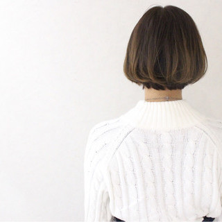 アッシュ パーマ グレージュ ボブ ヘアスタイルや髪型の写真・画像