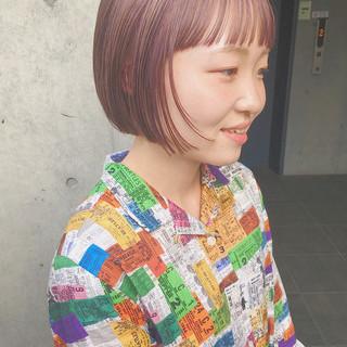 ピンクベージュ ショートヘア ダブルカラー ストリート ヘアスタイルや髪型の写真・画像
