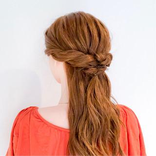フェミニン くるりんぱ ロング ショート ヘアスタイルや髪型の写真・画像
