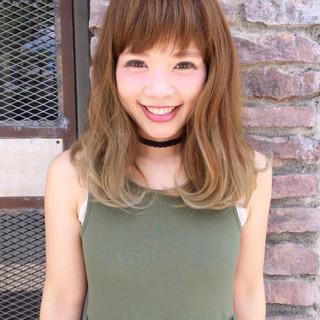 アッシュ 大人かわいい 外国人風 グラデーションカラー ヘアスタイルや髪型の写真・画像