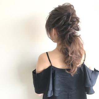 結婚式 ローポニーテール ヘアアレンジ 上品 ヘアスタイルや髪型の写真・画像 ヘアスタイルや髪型の写真・画像