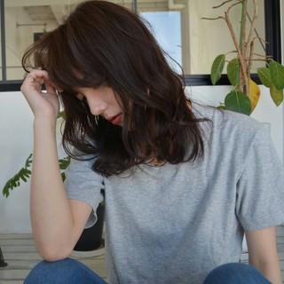 ミディアム 大人かわいい ゆるふわ ストリート ヘアスタイルや髪型の写真・画像