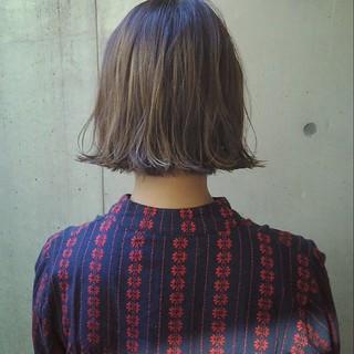 切りっぱなし ボブ ハイライト ナチュラル ヘアスタイルや髪型の写真・画像