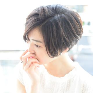 大人かわいい 外国人風 ナチュラル 黒髪 ヘアスタイルや髪型の写真・画像 ヘアスタイルや髪型の写真・画像