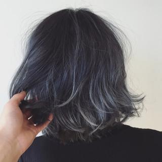 ネイビーアッシュ イルミナカラー 外国人風カラー グレージュ ヘアスタイルや髪型の写真・画像