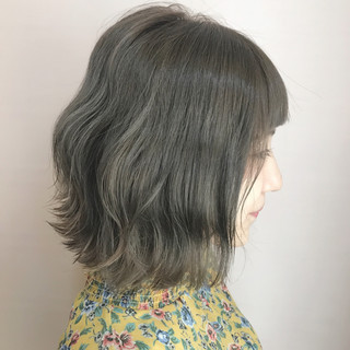 アッシュベージュ 秋 透明感 ナチュラル ヘアスタイルや髪型の写真・画像