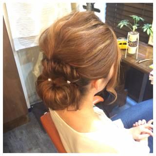 シニヨン アップスタイル ヘアアレンジ ロング ヘアスタイルや髪型の写真・画像