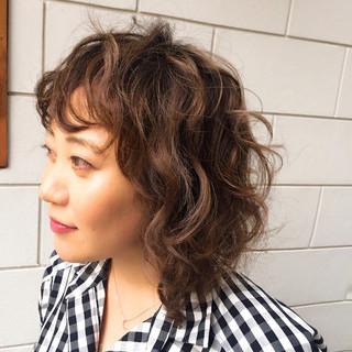 バレイヤージュ ボブ パーマ ハイライト ヘアスタイルや髪型の写真・画像