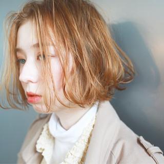 ナチュラル ダブルブリーチ ブリーチ アンニュイ ヘアスタイルや髪型の写真・画像