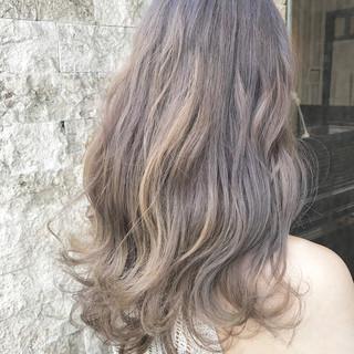 ダブルカラー グレージュ ラベンダーグレージュ セミロング ヘアスタイルや髪型の写真・画像 ヘアスタイルや髪型の写真・画像