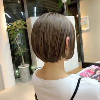 ショートヘア ショート グレージュ ショートボブ ヘアスタイルや髪型の写真・画像