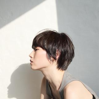 ナチュラル 前髪あり 外国人風 黒髪 ヘアスタイルや髪型の写真・画像