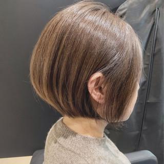 ショートボブ 耳かけ ショートヘア アンニュイほつれヘア ヘアスタイルや髪型の写真・画像