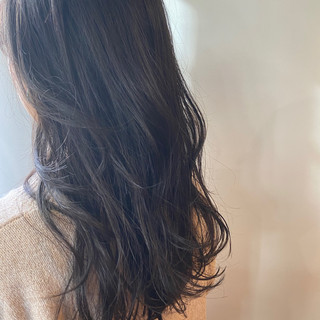 ダークグレー ダークトーン ナチュラル ダークカラー ヘアスタイルや髪型の写真・画像