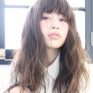 ブラウン セミロング ゆるふわ 外国人風 ヘアスタイルや髪型の写真・画像