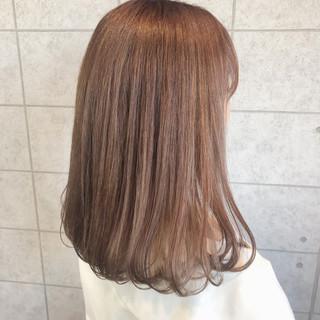 ミディアム アプリコットオレンジ イルミナカラー オレンジベージュ ヘアスタイルや髪型の写真・画像