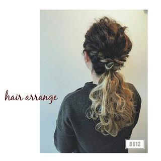 ロング ルーズ 大人かわいい 編み込み ヘアスタイルや髪型の写真・画像 ヘアスタイルや髪型の写真・画像