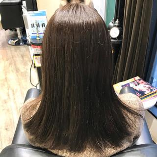 ダークグレー ナチュラル アッシュ グレージュ ヘアスタイルや髪型の写真・画像