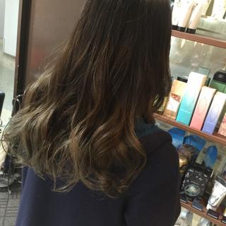 ストリート 外国人風 ヘアアレンジ レイヤーカット ヘアスタイルや髪型の写真・画像
