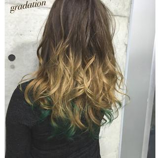 グラデーションカラー アッシュ ロング ブリーチ ヘアスタイルや髪型の写真・画像 ヘアスタイルや髪型の写真・画像