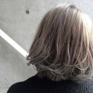 ストリート ブリーチ ブルージュ 外国人風 ヘアスタイルや髪型の写真・画像