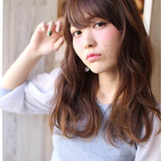 ゆるふわ ベリーピンク 大人かわいい セミロング ヘアスタイルや髪型の写真・画像