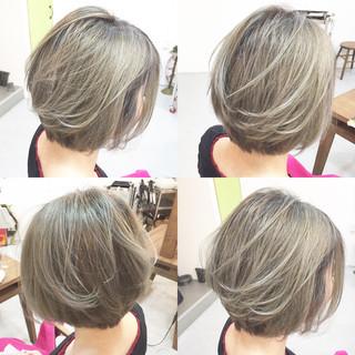 アッシュベージュ ショート ストリート アッシュ ヘアスタイルや髪型の写真・画像