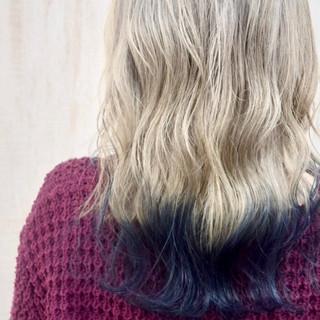 セミロング ホワイトシルバー ホワイト ネイビーブルー ヘアスタイルや髪型の写真・画像
