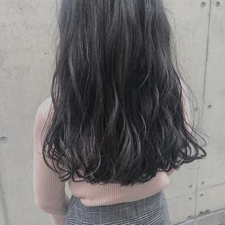波巻き オリーブグレージュ フェミニン 外国人風 ヘアスタイルや髪型の写真・画像 ヘアスタイルや髪型の写真・画像