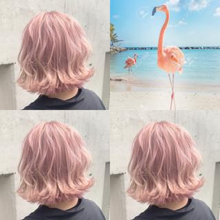 ボブ ピンクアッシュ ハイトーン 派手髪 ヘアスタイルや髪型の写真・画像