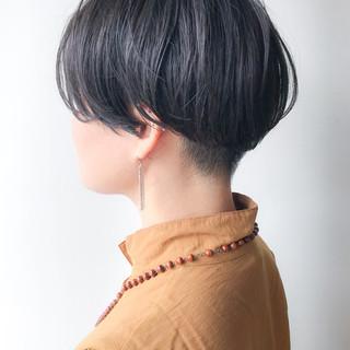 ショート オフィス 刈り上げ 大人かわいい ヘアスタイルや髪型の写真・画像