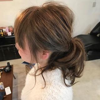 セミロング ヘアアレンジ ナチュラル ラフ ヘアスタイルや髪型の写真・画像