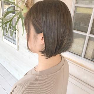 オリーブカラー オリーブベージュ ボブ ナチュラル ヘアスタイルや髪型の写真・画像