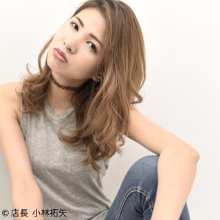 小顔 セミロング 外国人風 ストリート ヘアスタイルや髪型の写真・画像