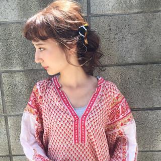 セミロング ヘアアレンジ くせ毛風 パーマ ヘアスタイルや髪型の写真・画像