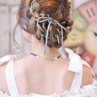 フェミニン 簡単ヘアアレンジ ヘアアレンジ 透明感 ヘアスタイルや髪型の写真・画像