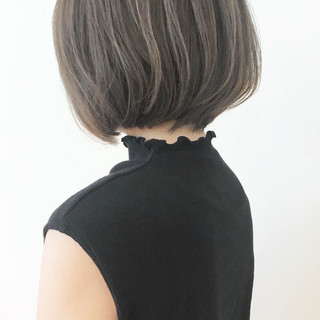 オフィス 大人かわいい アッシュ ハイライト ヘアスタイルや髪型の写真・画像