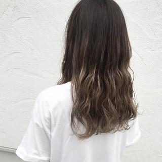 秋 外国人風カラー ロング 波ウェーブ ヘアスタイルや髪型の写真・画像