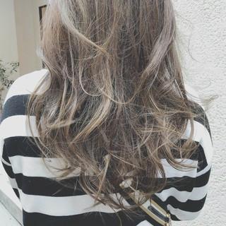 ロング ゆるふわ アンニュイ パーティ ヘアスタイルや髪型の写真・画像