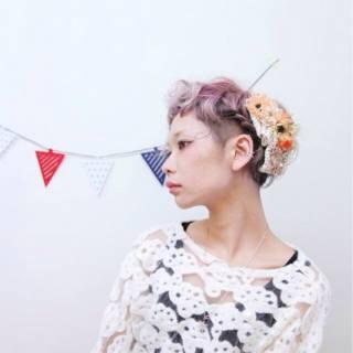 ショート ヘアアレンジ ガーリー 編み込み ヘアスタイルや髪型の写真・画像