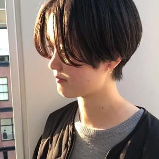 ハンサムショート ナチュラル ショート 黒髪 ヘアスタイルや髪型の写真・画像