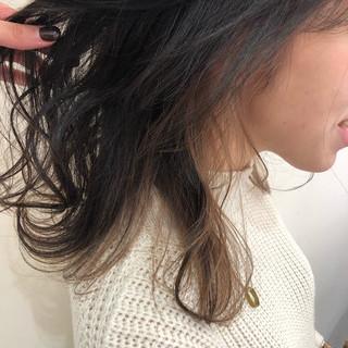 ナチュラル 透明感カラー ミディアム インナーカラー ヘアスタイルや髪型の写真・画像