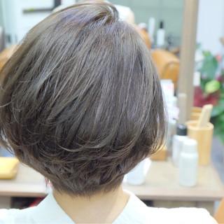 ショート 秋 リラックス オフィス ヘアスタイルや髪型の写真・画像